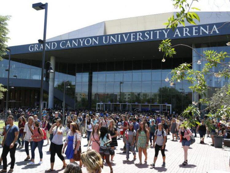 is GrandCanyon University accredited